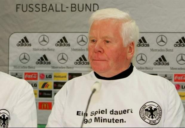 Kenang Helmut Haller, Jerman Pakai Ban Hitam