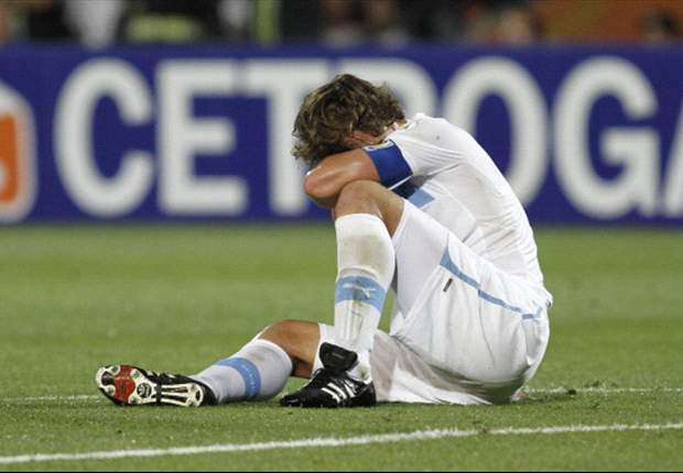 Diego Lugano has called upon his Uruguay team-mates to fight for World Cup qualification