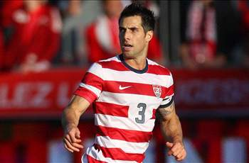 Bocanegra returns to MLS, signs with Chivas USA