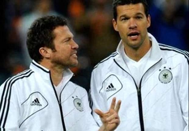 Michael Ballack, hier mit Ex-Weltfußballer Lothar Matthäus, sieht Schweinsteiger und Ribery als Kandidaten