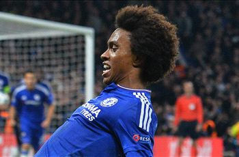 Willian takes free kick inspiration from Beckham & Ronaldinho