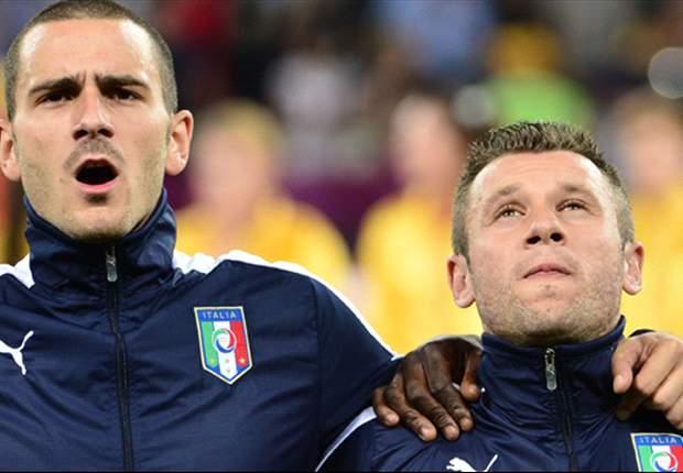 """Nella querelle tra Cassano e Conte, entra in tackle il motivatore di Bonucci: """"Prima di dire moralità, rispetta il Milan! Ti hanno salvato la vita e tu gli hai sputato in faccia"""". Juve, niente conferenza..."""