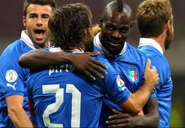 Sepuluh Pemain Italia Kandaskan Denmark