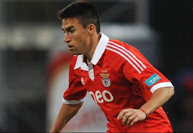 Olhanense 1 x 2 Benfica: Águias sofrem gol do meio-campo, mas conseguem vitória