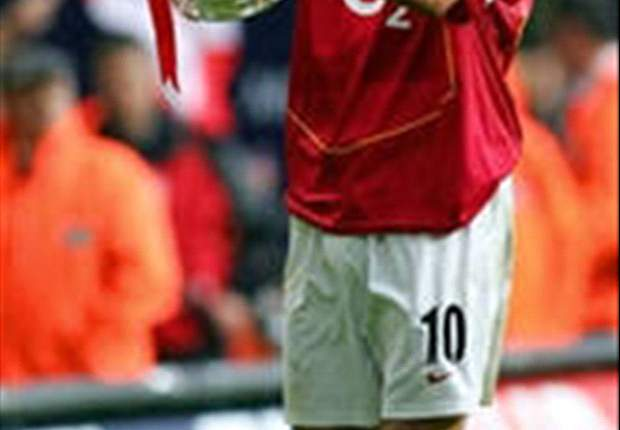 Legends: The Non-Flying Dutchman - Dennis Bergkamp