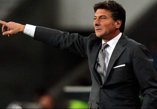 Napoli must prioritise Serie A or Europa League, hints Mazzarri