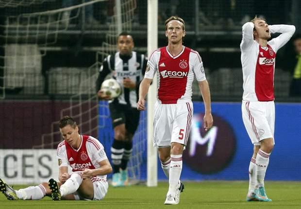 Pemain Ajax Frustrasi Diimbangi Heracles