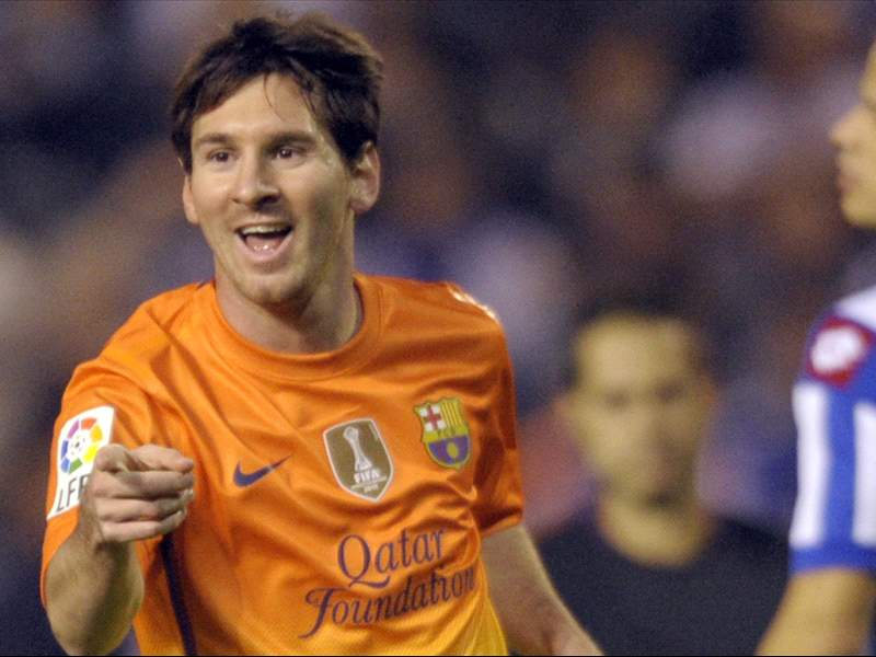 Calendar Year Goals Record : Messi breaks pele s record for goals in a calendar year