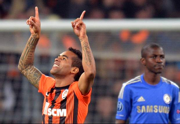 Shakhtar Donetsk 2-1 Chelsea: Holders humbled by Alex Teixeira & Fernandinho strikes