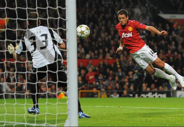 Chicharito double leads Manchester United back from Champions League hole