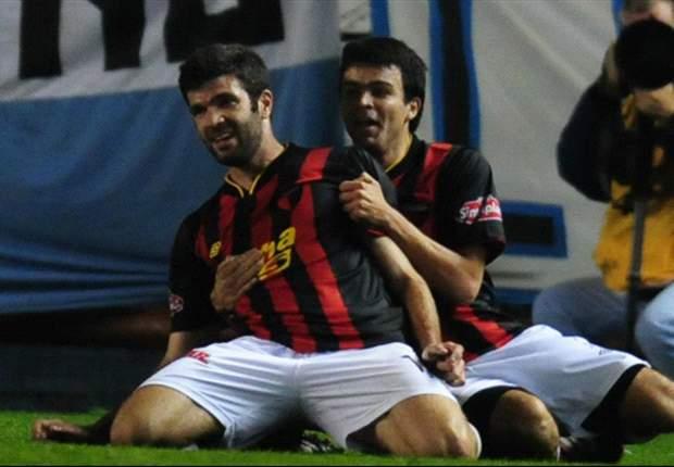 Colón reaccionó en el segundo tiempo y rescató un empate ante Godoy Cruz