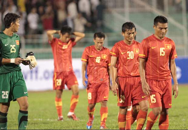 Vietnam AFF Suzuki Cup squad distracted by domestic clubs' future