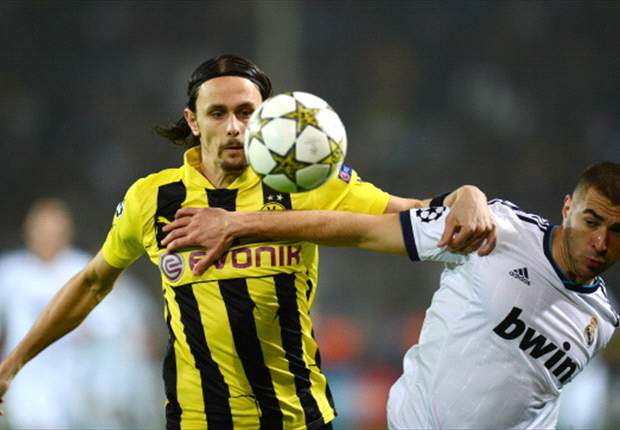 Dortmund open contract talks with defender Subotic