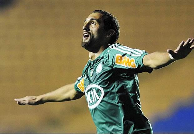 "Barcos anuncia que se quedará en Palmeiras ""por amor al club"""