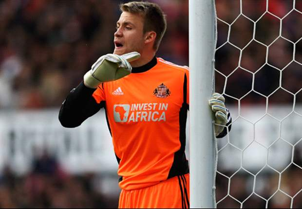 Sunderland keeper Mignolet proud after receiving North East Player of the Year award