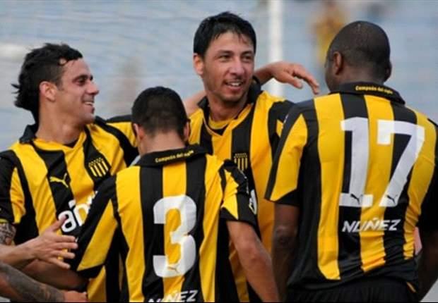 Peñarol y Emelec, choque de ganadores por la Copa Libertadores