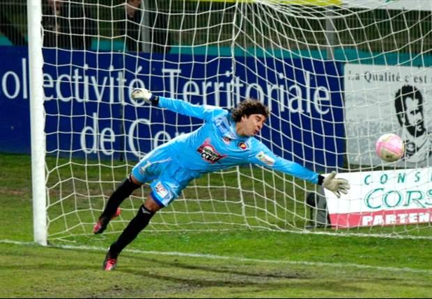 El Ajaccio de Guillermo Ochoa suma una victoria en siete partidos