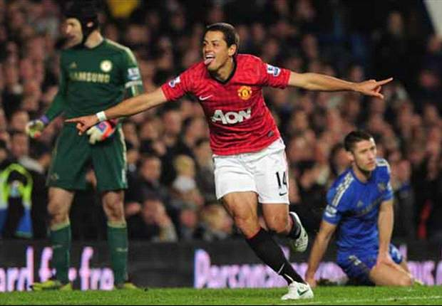Chelsea 2-3 Manchester United: Van Persie, Hernandez and card-happy Clattenburg end Blues' unbeaten run