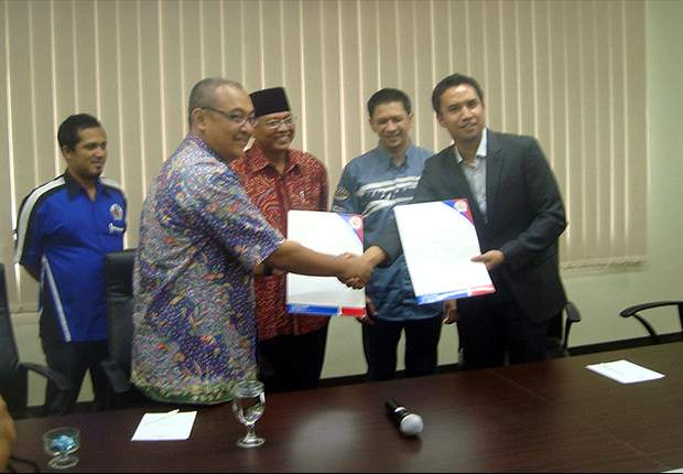 Brisbane Roar owners Bakrie Group acquire Indonesian heavyweights Arema