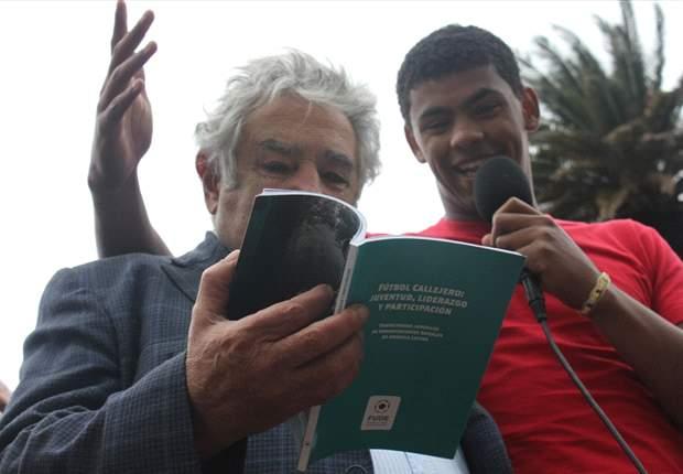 Con la presencia del presidente Mujica, se inauguró el Fútbol Callejero en Uruguay