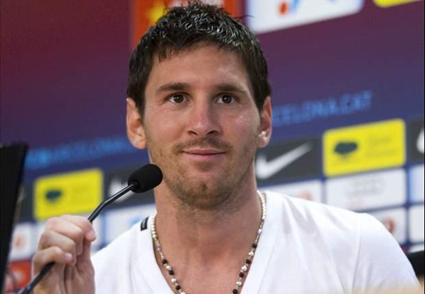 Thiago Messi y los regalos que las parodias de Mourinho, Guardiola y Toquero le tienen preparados a su padre Leo