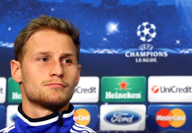 Howedes' future lies with Schalke, says Heldt