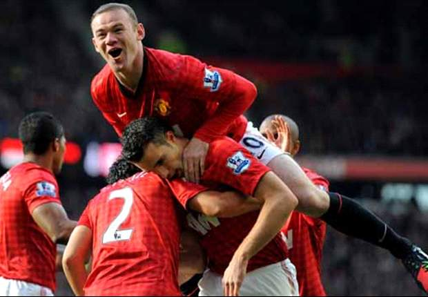 Manchester United 2-1 Arsenal: Van Persie and Evra shoot down 10-man Gunners