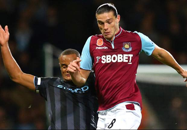 West Ham striker Carroll interviewed by police after photographer allegedly assaulted