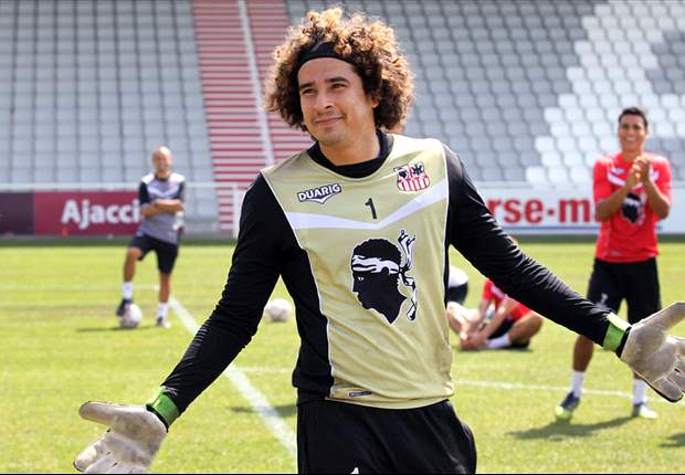 Guillermo Ochoa would like to play in the Champions League