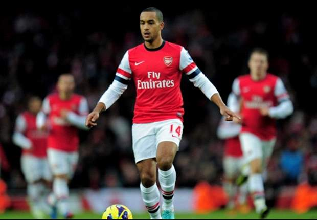 Walcott still adamant about striker role at Arsenal