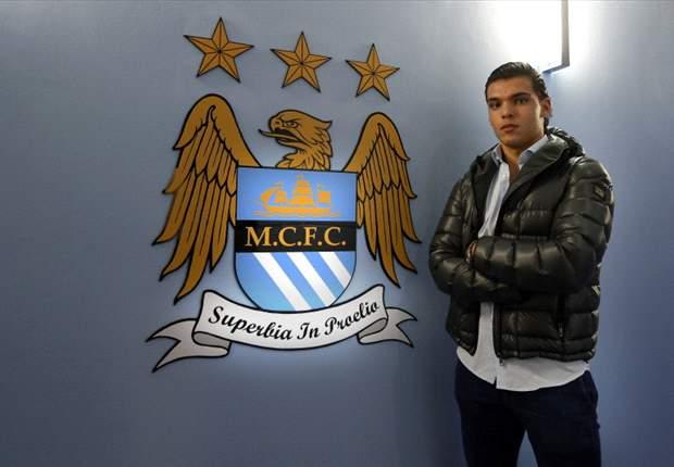 Rekik verlengt contract bij Man City