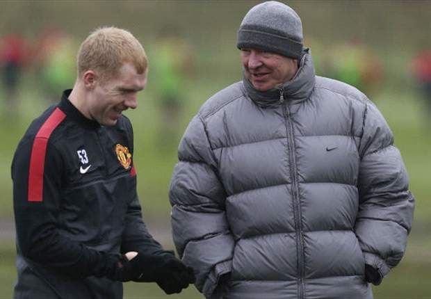 Sir Alex Ferguson: No rush on Scholes' future at Manchester United
