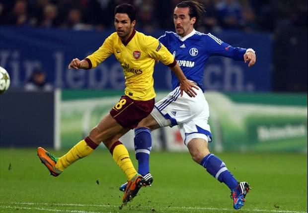 Lewis Holtby opaca a Santi Cazorla y Klaas-Jan Huntelaar en el Schalke 04 - Arsenal