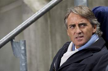 Mancini: Manchester City not strong enough to man-mark