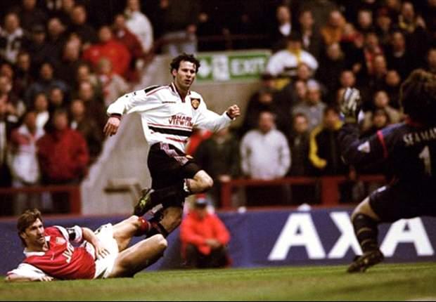 Ferguson aconselha Giggs a continuar no Man United