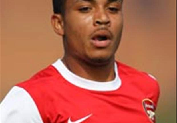 Swansea sign former Arsenal defender Meade