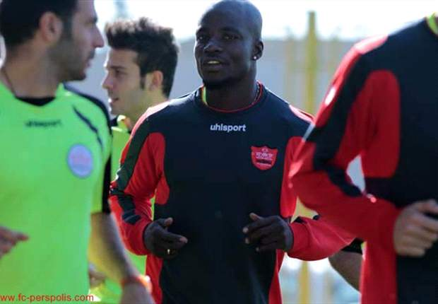 Iranian side Damash Gilan to offer Stephen Appiah lifeline after Persepolis move hit a snag