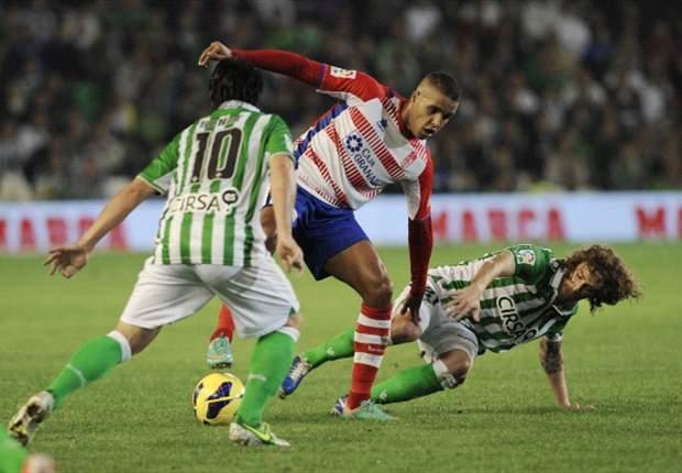 Betis 1-2 Granada: Oxígeno para los de Juan Anquela