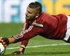 VIDEO - Bom treft doelman in Ligue 1