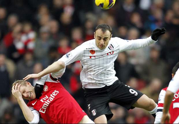 Fulham boss Jol hails reluctant entertainer Berbatov