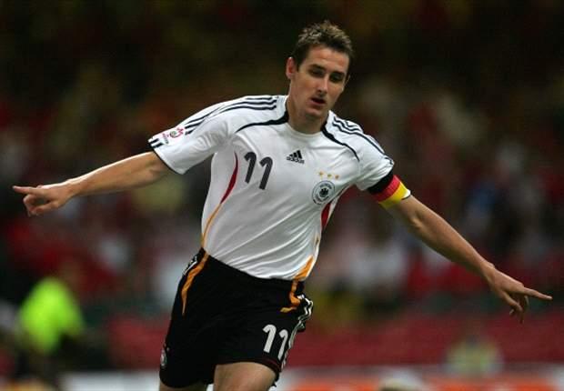 Amanat menjadi kapten tim dijawab Miroslav Klose dengan penampilan gemilang
