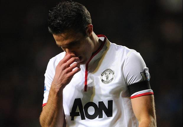 Van Persie pulls out of Netherlands squad with thigh injury