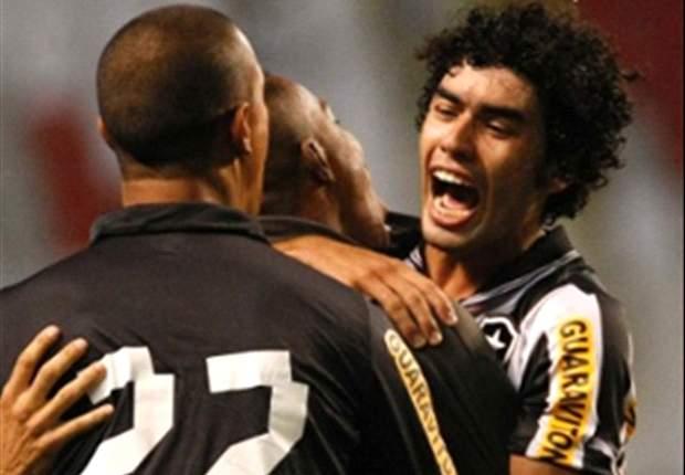 Botafogo 3 x 0 Portuguesa: Bota vence a Lusa e diminui distância do G4