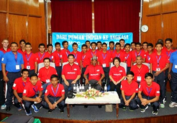 Fifty boys from FELDA - first batch to leave for Cardiff City experience