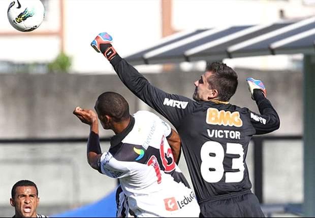 Felipe, do Vasco, ataca arbitragem