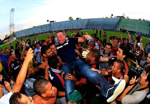 Feliz da vida, Abel garante que fica no Fluminense