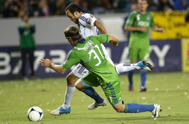 LA Galaxy 3-0 Seattle Sounders FC: Keane brace gives defending champs commanding advantage