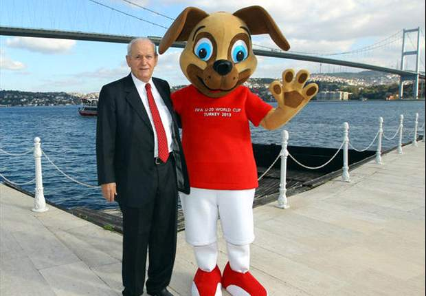 Un cachorro, la mascota del Mundial Sub-20 Turquía 2013