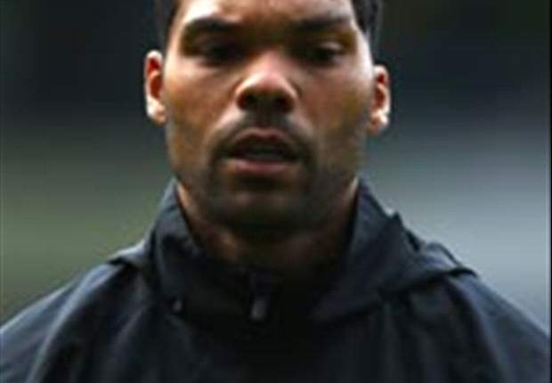 Manchester City coloca Joleon Lescott no mercado