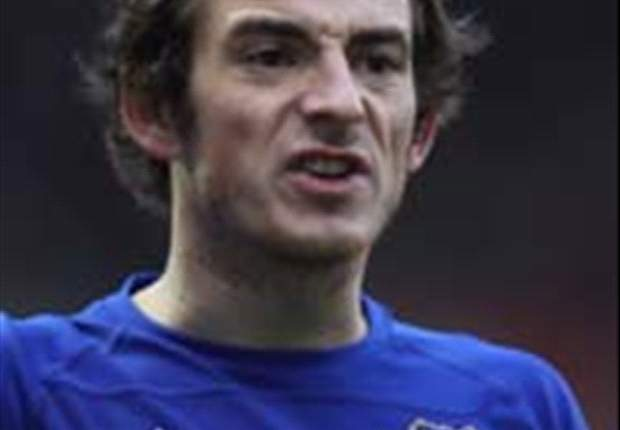 Arsenal Bidik Leighton Baines